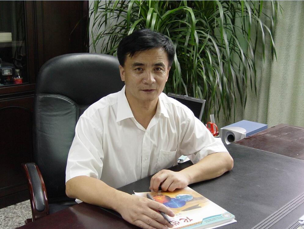 后曾担任青海省西宁市第十三中学化学教师、西宁市虎台中学政教处主图片