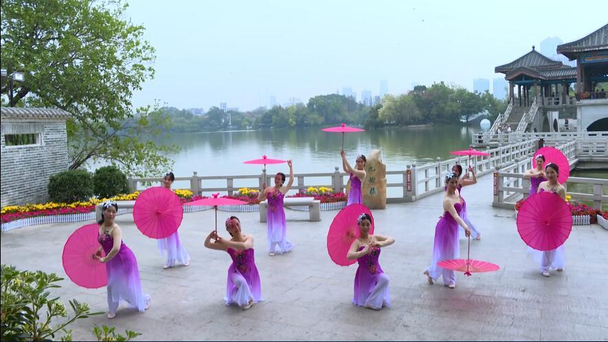 教职工舞蹈《梦西湖》