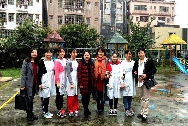 姚丽红助理带队走访惠爱幼儿园看望外国语学院学生.jpg