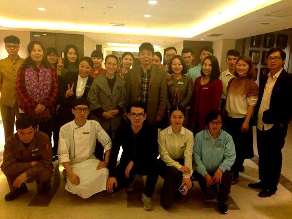 安晓云书记带队走访白鹭湖喜来登酒店看望工商学院实习学生.JPG