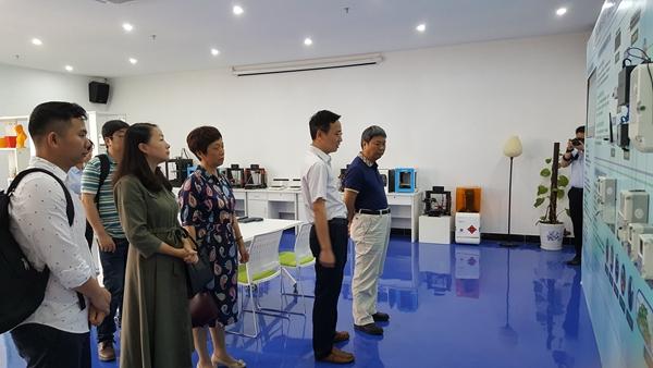 我校肖建彬校长一行走访广东工业大学物联网协同创新惠州研究院