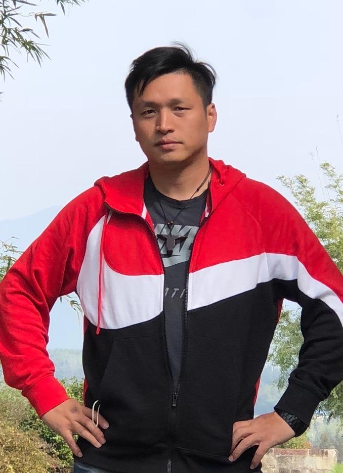 邱熠辉-建艺学院教师