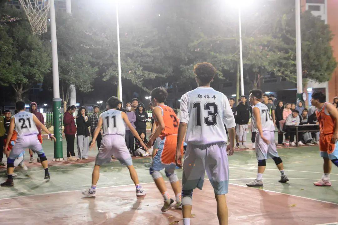 """建艺学院""""新生杯""""篮球赛决赛"""