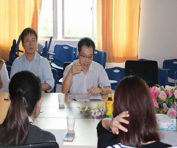 调整大小 2 旅游管理系主任白杨老师主持会议.jpg