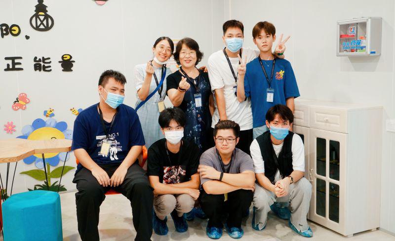 教育与应用外语学院商务日语系18级全体学生到索尼精密部件(惠州)有限公司进行参观学习
